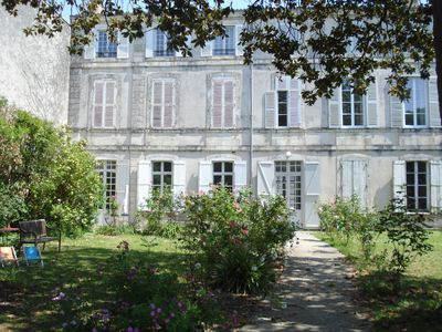 Photo for Ground floor apartment in a mansion. Car park. Hyper center of La Rochelle
