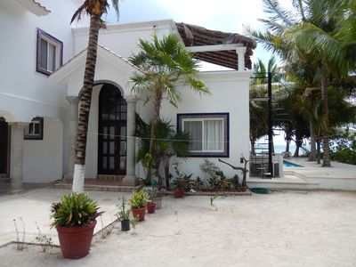 5 BEDROOM 3 FULL BATHROOM OCEANFRONT WITH MANY AMENITIES FOR OUR GUESTS TO ENJOY