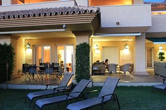 Spacious Garden Apt With Sea View, Shared Pool, Large Terrace & Private Hot Tub