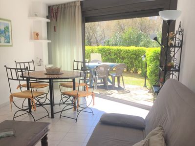 Lovely big studio 35 m² with nice decoration 80 meters from the beach