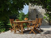 Fantastic Gite in a peaceful location, with kind and helpful hosts, Very relaxing and enjoyable.