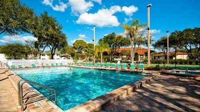 Shorewalk 104 condo 2 Bedroom / 2 Bath, near IMG and 5 miles from the Anna Maria Island, maximum occupancy of 6 people.