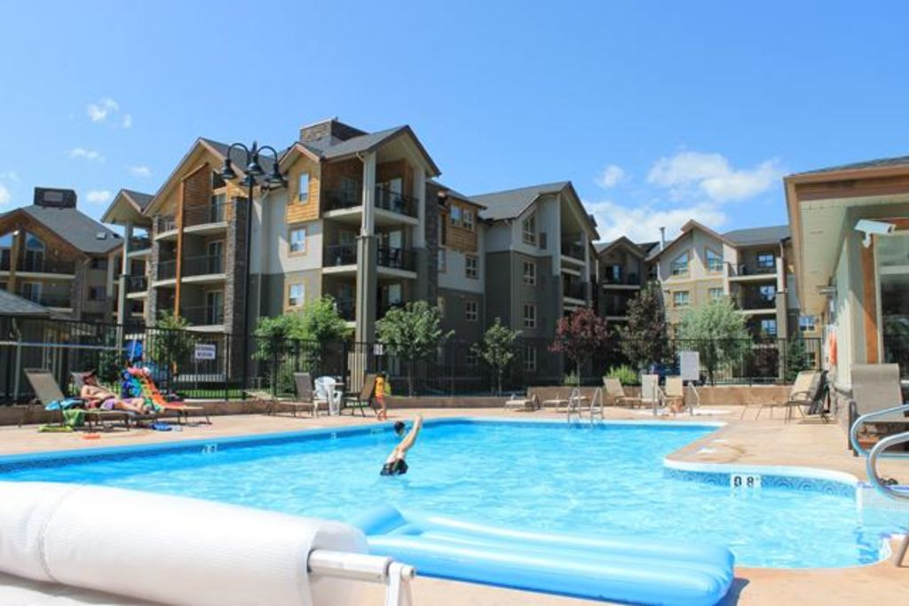 Beautiful lakeside condo perfect for famili vrbo for Windermere hotels with swimming pools