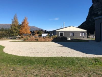 Photo for Wanaka Cottage with mountain views