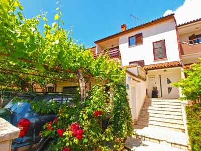 Photo for Holiday apartment Vinkuran for 4 - 5 persons with 2 bedrooms - Holiday apartment