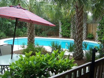 Photo for 'Delta Dunes'- Gulf Trace; 2-3 min walk to beach; private pool; ping pong; 4/4.