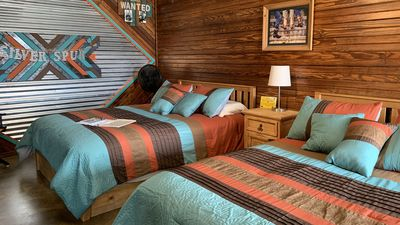 Photo for new Rustic Elegance SILVER SPUR CABIN Explore the Wichita Mountains WiFi Netflix