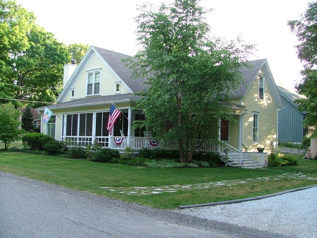Historic Queen Anne Style Home In Village Of Douglas