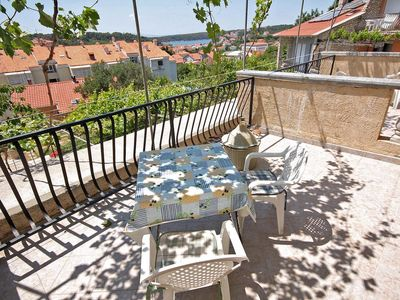 Photo for Studio flat with terrace and sea view Palit, Rab (AS-3195-c)