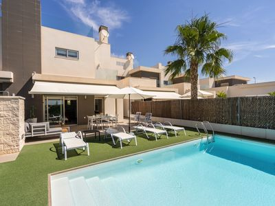 Photo for Large villa in Guardamar, on the Costa Blanca, Spain  with private pool for 4 persons