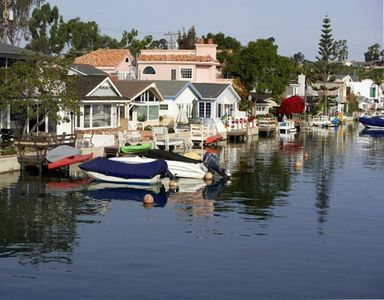 Grand Canal-Waterfront Location!  Great for kayaking and fishing!