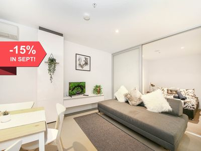 Photo for A Cozy 2BR Apt with a Pool Next to Southern Cross
