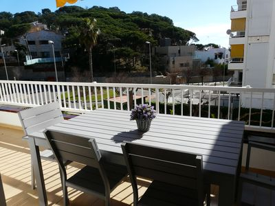 Photo for Apartment with parking 40 meters from the beach
