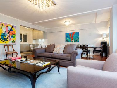 Photo for 3 BR in opulent Mayfair. Walk to London's best spots from your doorstep (Veeve)