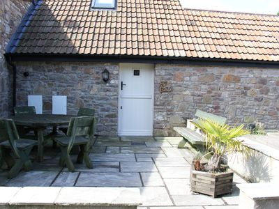 Photo for Lovely cottage in country setting easy access to Bristol