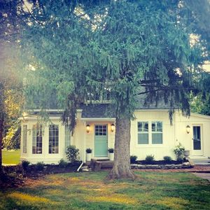 The Sycamore Cottage located in the Amish Country. Minutes to local attractions