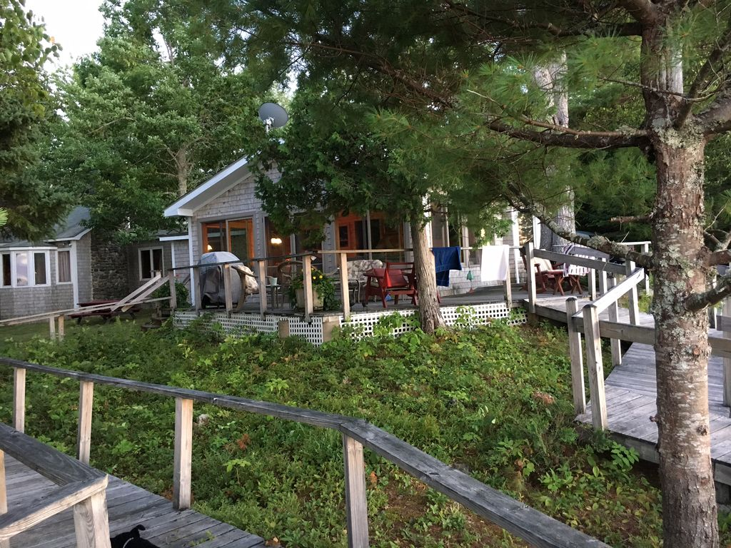 rent cabins millinocket rooms in lakefront cabin original log maine states for united n woods