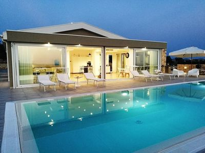 Photo for Villa, panoramic, private pool, free wifi, induction plane, 1 extra cleaning.