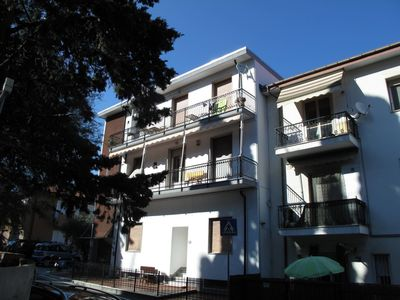 Photo for Lovely apartment for 6 people with WIFI, TV and balcony