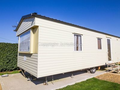 Photo for 6 berth static caravan that's dog friendly in Hunstanton in Norfolk ref 13014