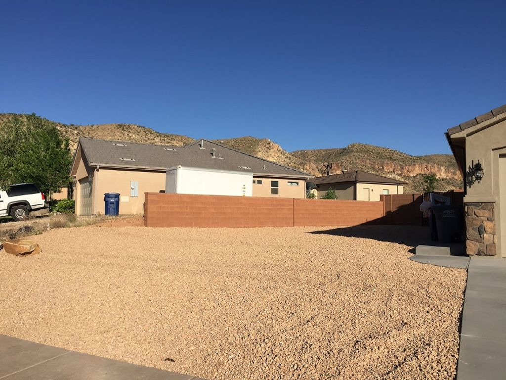 New Home In Southern Utah Located In The Center Of