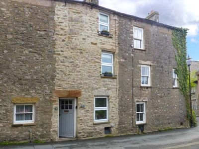 Photo for BACK COTTAGE, pet friendly in Kirkby Lonsdale, Ref 30834