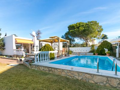 Photo for This 2-bedroom villa for up to 4 guests is located in Empuriabrava and has a private swimming pool..