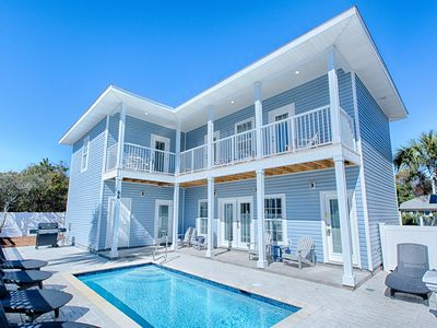 """Photo for """"Pier Destin-Y"""" in Crystal Beach: Private Pool, 1 Block from Beach"""