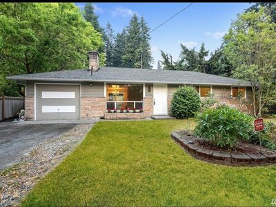 Photo for Lovely 3bedroom 1bath house in the middle of Lynnwood.