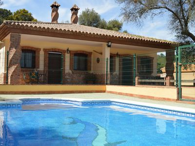 Photo for Air conditioned cottage with pool, large garden and WLAN, pets allowed