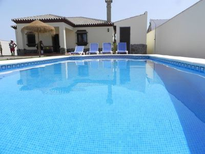 Photo for nice villa for 6 persons, with private pool, quiet, only just some 500m from Conil, with WiFi.