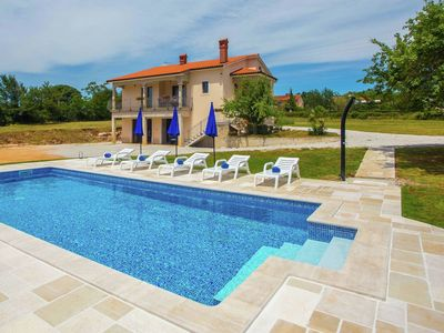 Photo for Three bedroom holiday house with large garden and private pool, 20 km from Porec