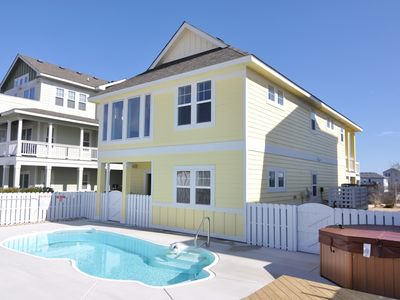 Photo for Hook,Wine And Sinker: Great 3 bedroom home with private pool, hot tub and FREE community amenities!