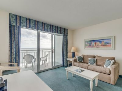 Photo for Oceanfront condo, great resort, tons of pool amenities (in tower 3)