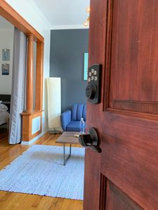 Photo for Charming Bright Apartment, Parking, 20 mins to NYC