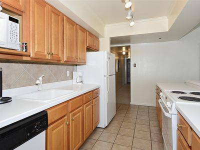 Photo for FREE DAILY ACTIVITIES!  Spacious 3bed/2bath direct oceanfront condo.