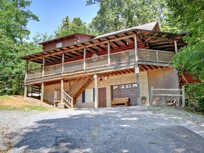Photo for MEDICINE MAN IS A CHARMING CABIN IN A CHARMING LOCATION NEAR GATLINBURG & PIGEON FORGE