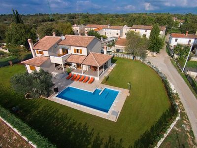 Photo for Nice and spacious villa with pool and garden in a small village called Salambati