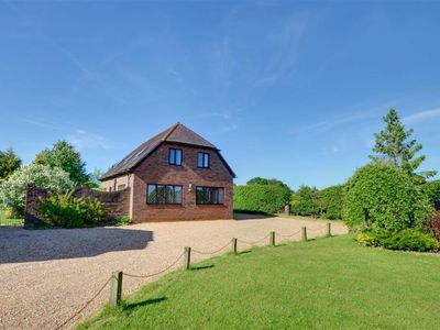Photo for Vacation home Pagehurst in Staplehurst - 6 persons, 3 bedrooms