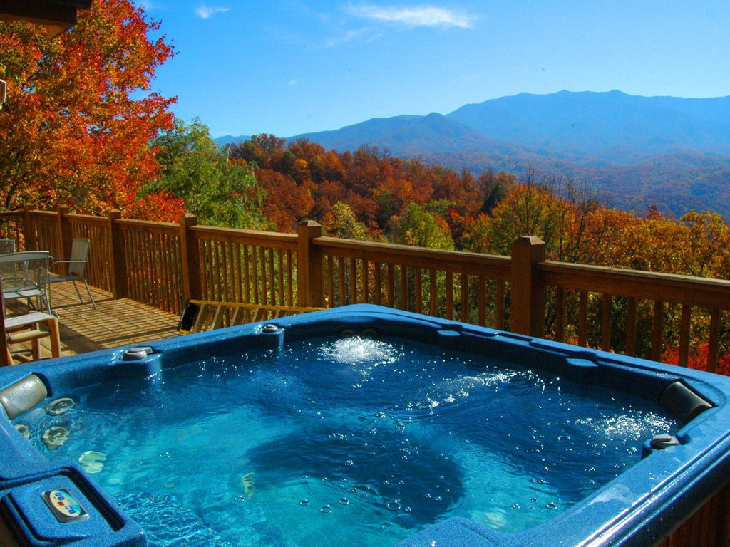 Hot Tub With A View, Gatlingurg TN   Soak In The Sun Or Moonlight On