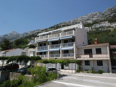 Photo for Apartment in Pisak (Omiš), capacity 2+2