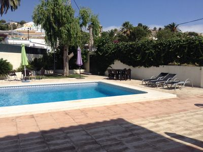 Photo for Central apartment, pool, garage and wifi, very close to the beach