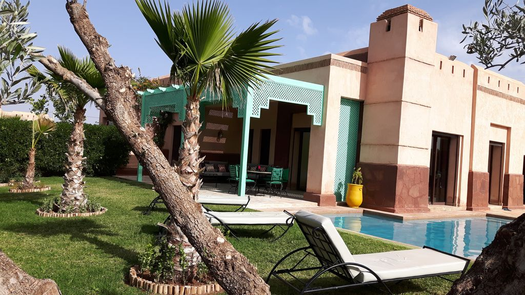 grande villa avec piscine privative vue sur latlas marrakech
