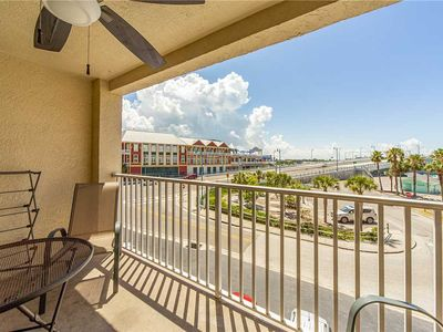 Photo for Beachfront Complex - Free WiFi - Upgraded Unit Right at John's Pass - Beach Place