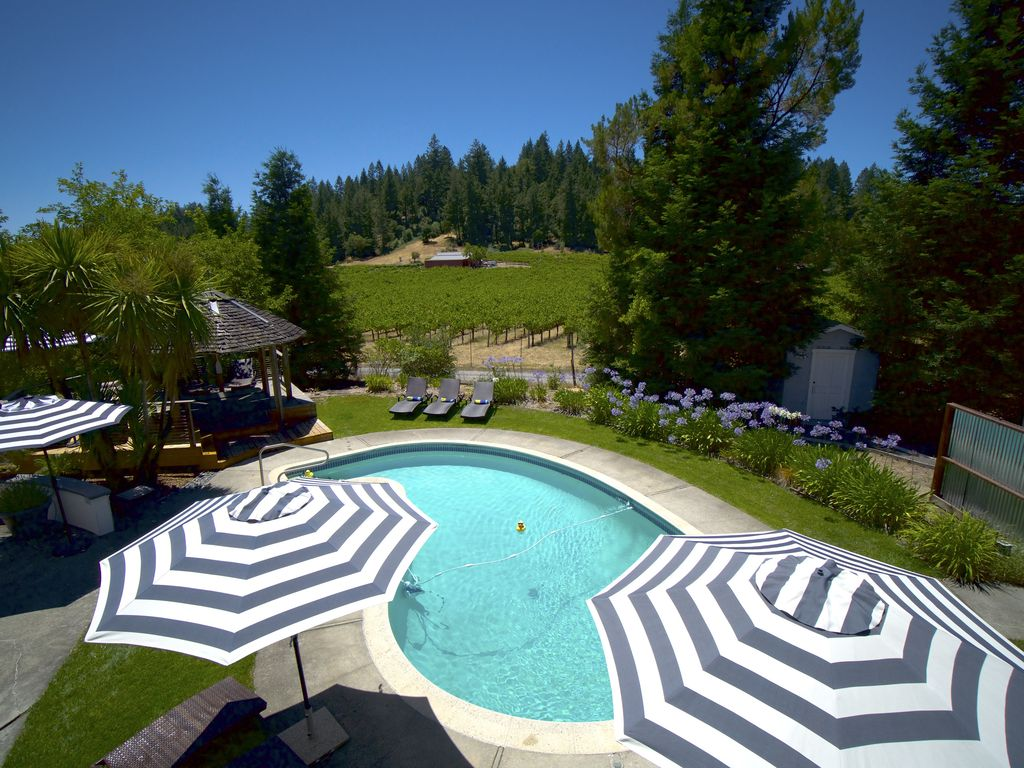 Bliss! Large House w/Pool & spa in the Vine... - VRBO