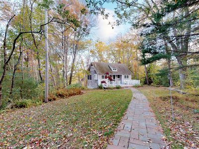 Photo for NEW LISTING! Bayview cottage w/ deck & grill - walk to beach, town & shops!