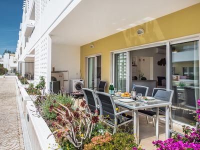 Photo for Cabanas de Tavira Apartment, Sleeps 4 with Pool, Air Con and WiFi