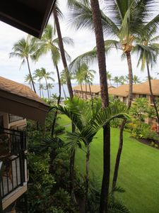 Photo for The best of Alii Drive within walking distance to the beach!