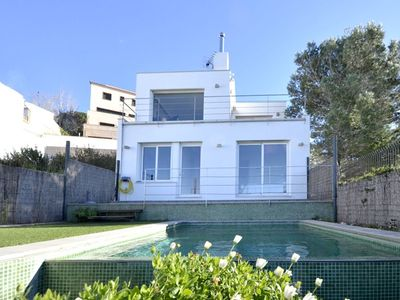 Photo for Exclusive modern detached house in the center of Begur with great views to the  sea, and w