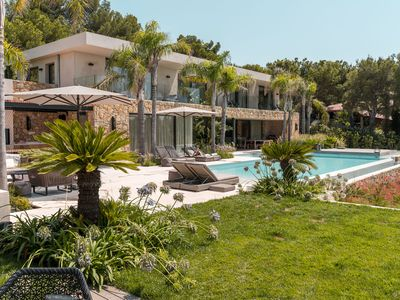 Photo for Superb villa with private pool on secure domain and stunning views of the Medite